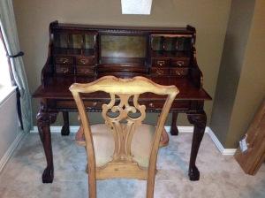 Craiglist chair to go with Craiglist desk